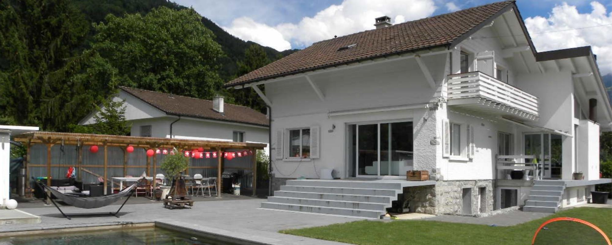 Villa de 6,5 pièces avec garage indépendant, piscine et studio-bureau indépendant